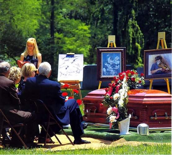 Как защититься беременной на похоронах 98